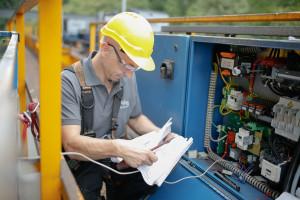 Kranwartung Baustelle Hugstetten Schaller August 2015
